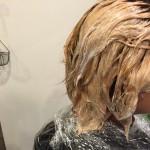 【ミセススタイル】白髪隠しにブリーチでハイトーンからのグレーヘア